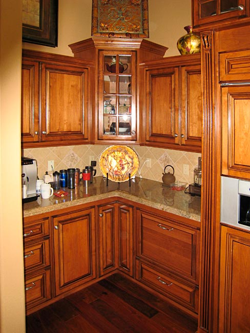 Custom kitchen cabinets corner cabinets for Custom kitchen cupboards