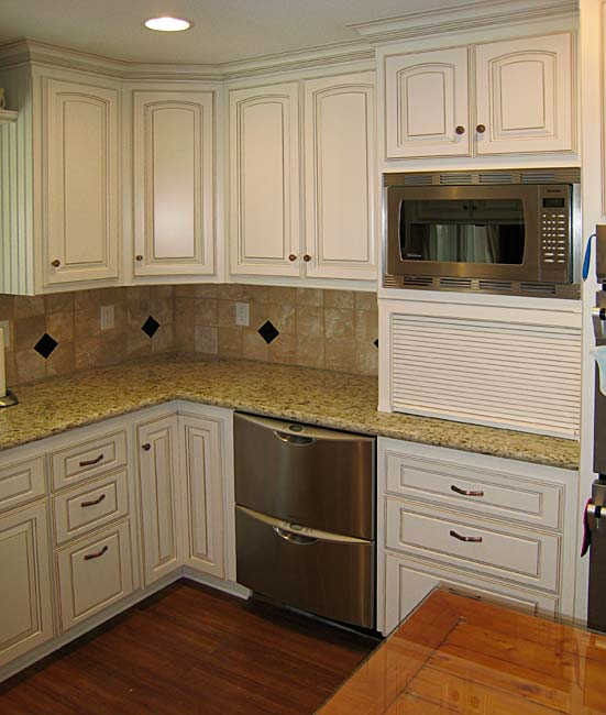 Semi custom kitchen cabinets reasons personalized kris for Semi custom kitchen cabinets
