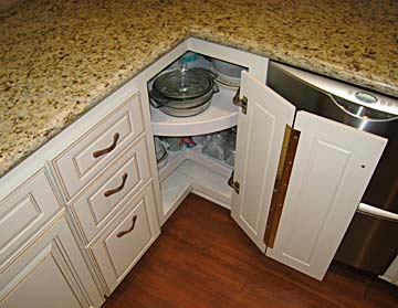 How to Repair Cabinets | HomeTips - HomeTips | Expert Home